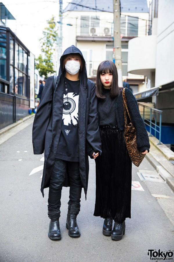 Harajuku Duo in Dark Street Fashion