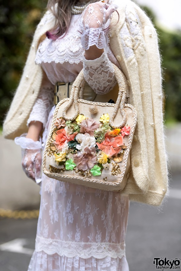 Cathy Southpaw Straw Bag With Flowers
