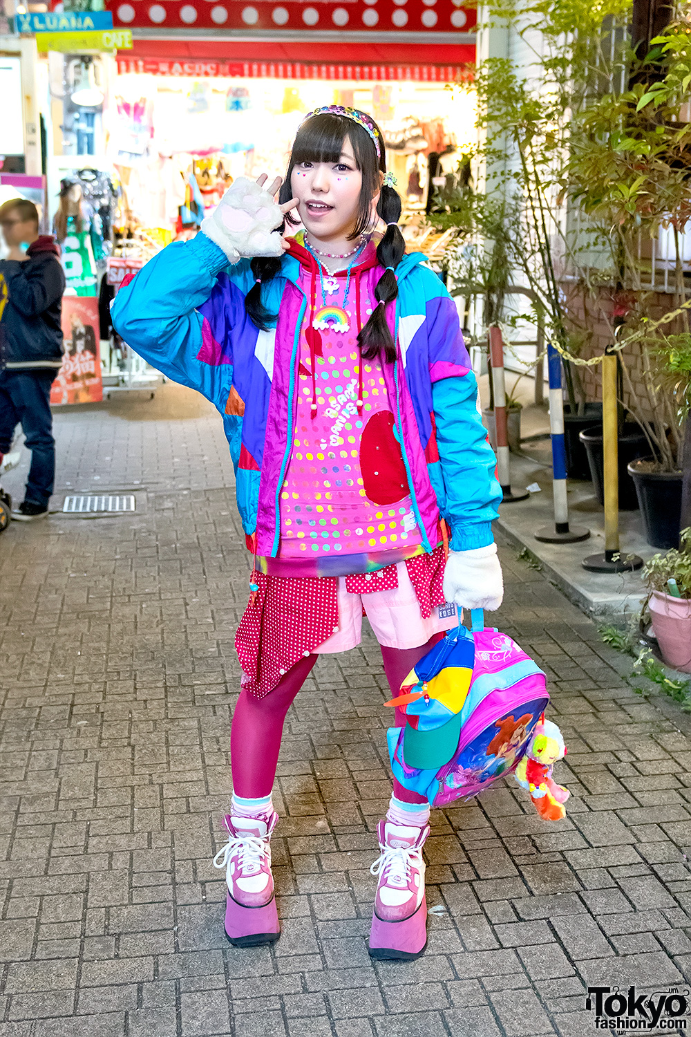 Kawaii-Decora-Fashion-Harajuku-Japan-20170226D506076.jpg