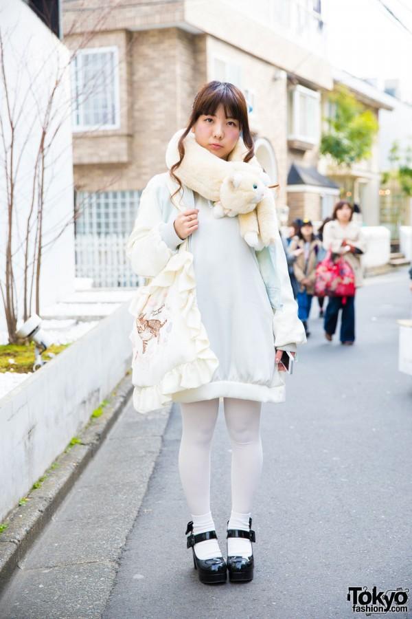 Harajuku Girl in Kawaii Fashion w/ RoseMarie Seoir & Plush Neck Warmer