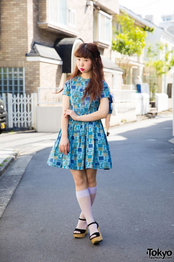 Harajuku Girl in 50s Vintage Cat Print Dress & Wedge Sandals