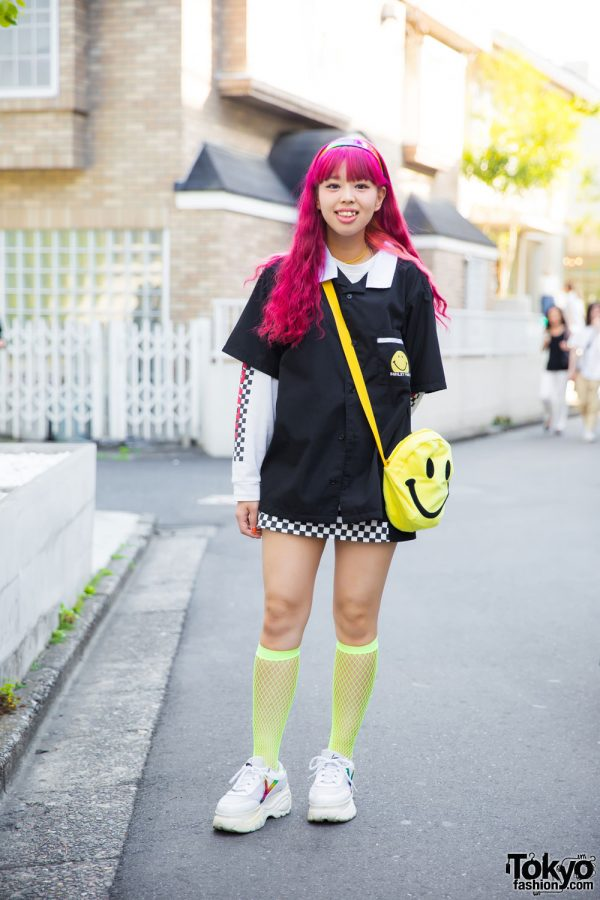 Pink Hair & Cute Smiley Face Fashion in Harajuku w/ Spinns, WEGO & Thank You Mart