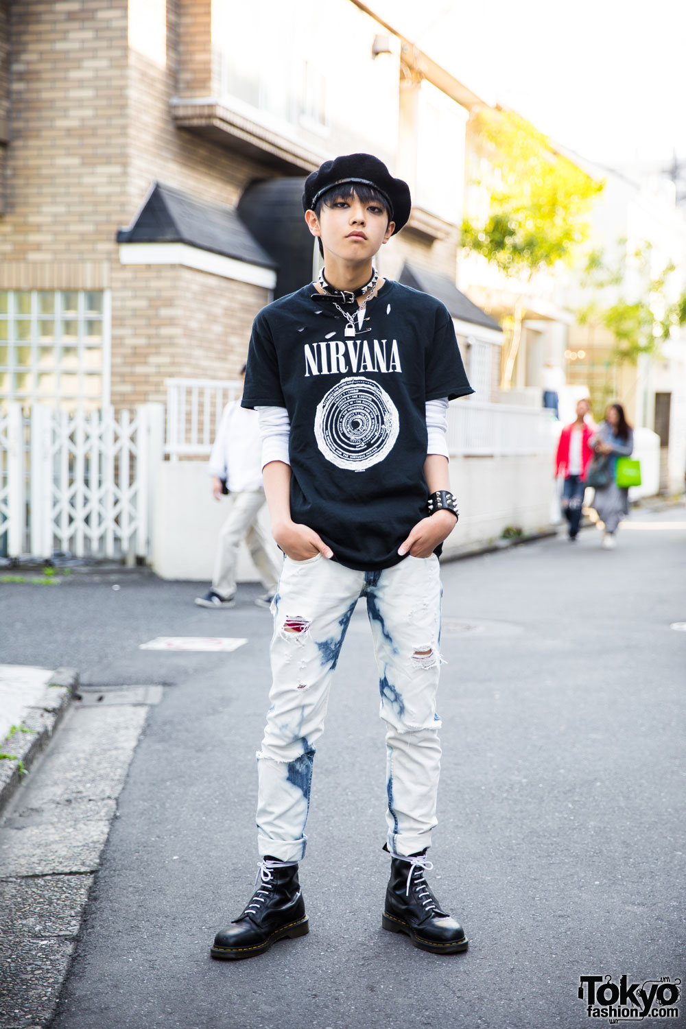 harajuku guy in punk inspired street style w nirvana dr martens. Black Bedroom Furniture Sets. Home Design Ideas