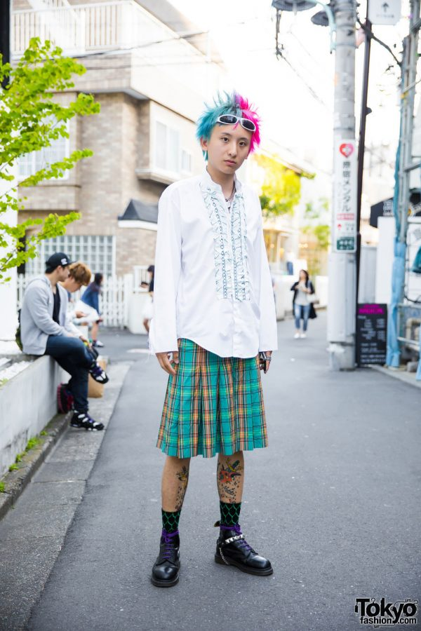 Harajuku Guy w/ Tattoos & Pink Hair in Comme des Garcons Skirt & Dr. Martens