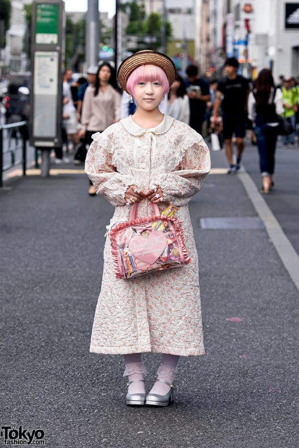 Vintage Harajuku Girl Street Style w/ Straw Hat & Swimmer Japan Items