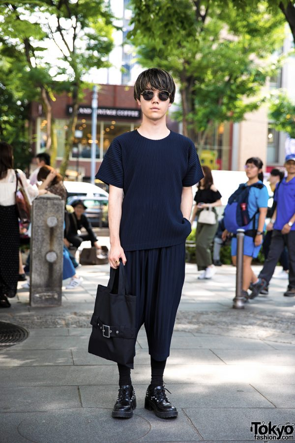 All Black Minimalist Street Style w/ Issey Miyake Homme Plisse, Comme des Garcons, Kenzo & Marc
