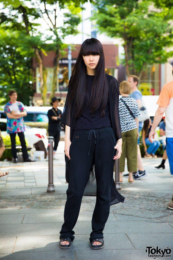 Japanese Fashion Model's All Black Minimalist Fashion & Long Hair in Harajuku