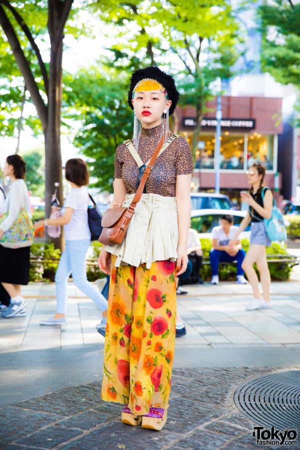 Colorful Hair & Mixed Prints Vintage Harajuku Street Style w/ Wooden Platform Sandals & Chanel Suspenders