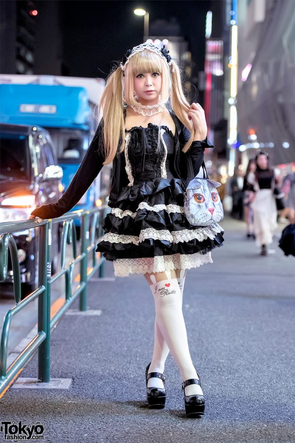 Japanese Gothic Lolita Street Style w/ Atelier Pierrot, Nude N' Rude & Cat Purse