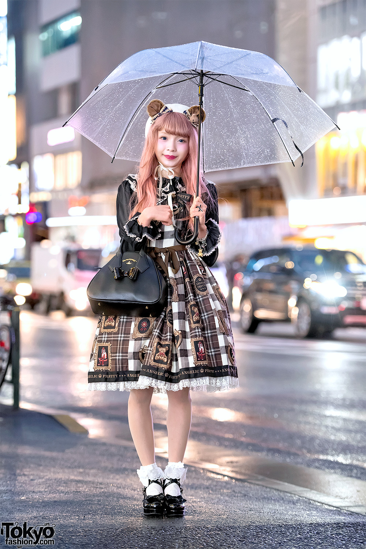fe1dc078e3 Japanese Lolita Fashion on a Rainy Day in Harajuku w  Angelic Pretty    Vivienne Westwood