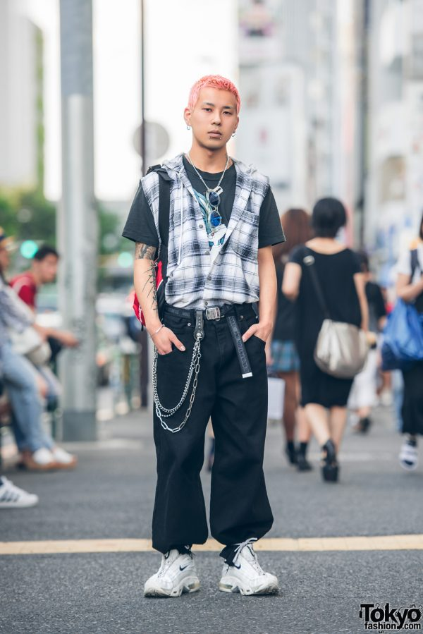 Pink-Haired Harajuku Guy in Vintage Street Fashion w/ ASICS, Nike, Faith Tokyo, M.Y.O.B. & Open the Door