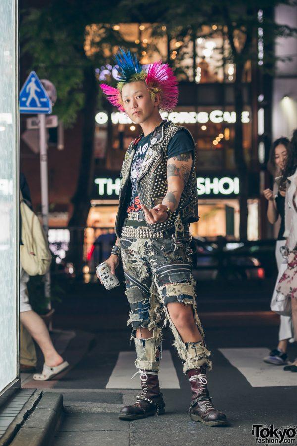 Harajuku Street Punk w/ Trihawk Hair in Who Killed Spikey Jacket? Tee, Levi's & Solovair Boots