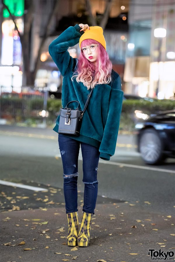 Hikapu in Harajuku w/ Pink Hair, Aqua Sweater, Skinny Jeans & Plaid Platform Heels