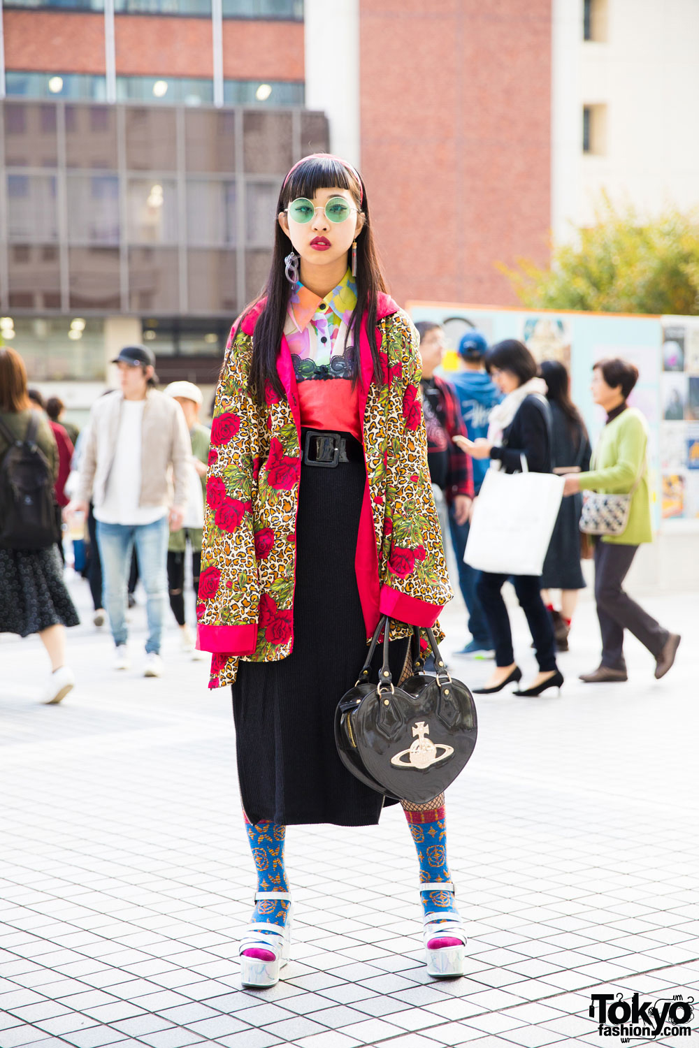 037140b4c9835 Japanese Fashion Student in Vintage Mixed Prints Street Style w  Bubbles  Tokyo   Vivienne Westwood