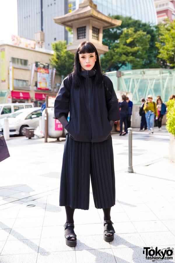All Black Street Fashion in Harajuku w/ Adidas Zipper Jacket & See Through Drawstring Backpack