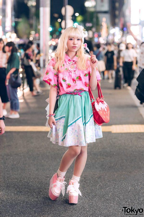 Harajuku Girl in Kawaii Mixed Prints Fashion w/ Swankiss, Amatunal, Angelic Pretty & Nile Perch