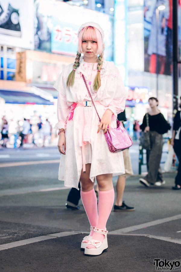 Harajuku Girl in Cute Pink Fashion Style w/ Kinji, Spinns & Disney Glitter Bag