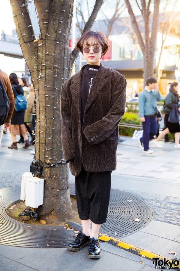 Harajuku Girl in Oversized Corduroy Blazer Street Style w/ Cropped Pants & Dr. Martens 3-Eye Patent Oxfords
