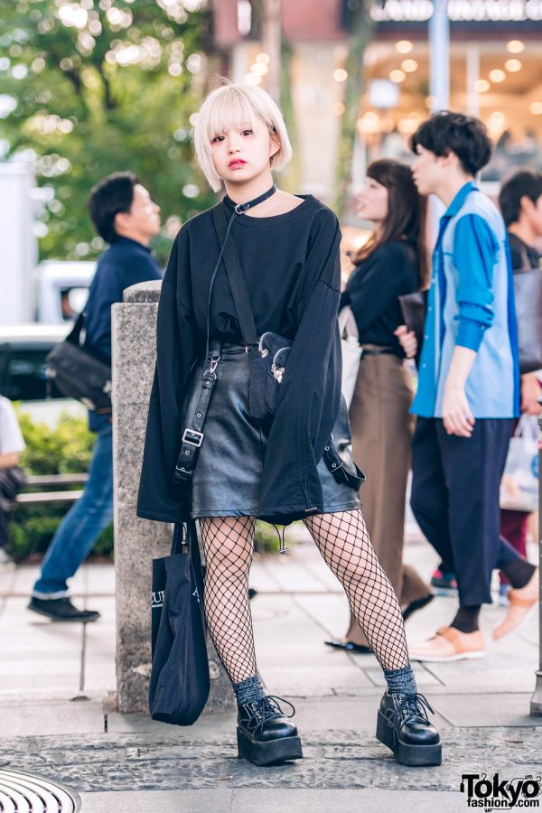 Blonde-Haired Harajuku Girl in All-Black Street Style