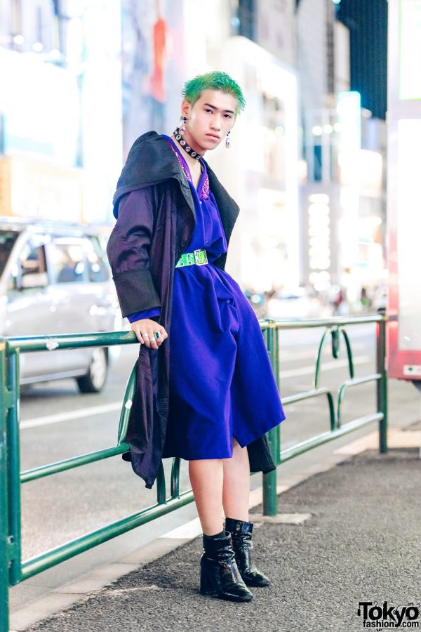 Green-Haired Harajuku Guy in Androgynous Vintage Street Fashion
