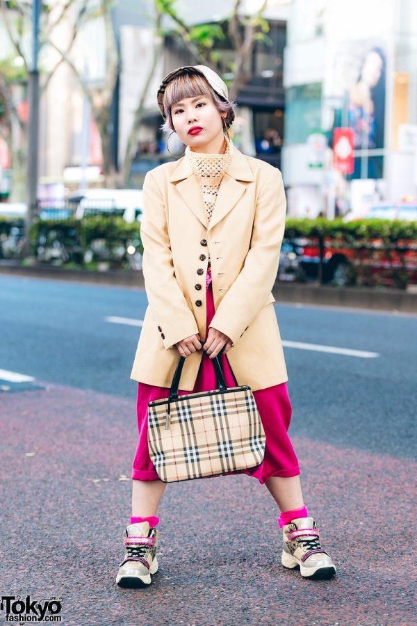 Harajuku Girl in Two-Tone Street Style w/ Hismiss Blazer, Burberry Bucket Hat & Plaid Handbag