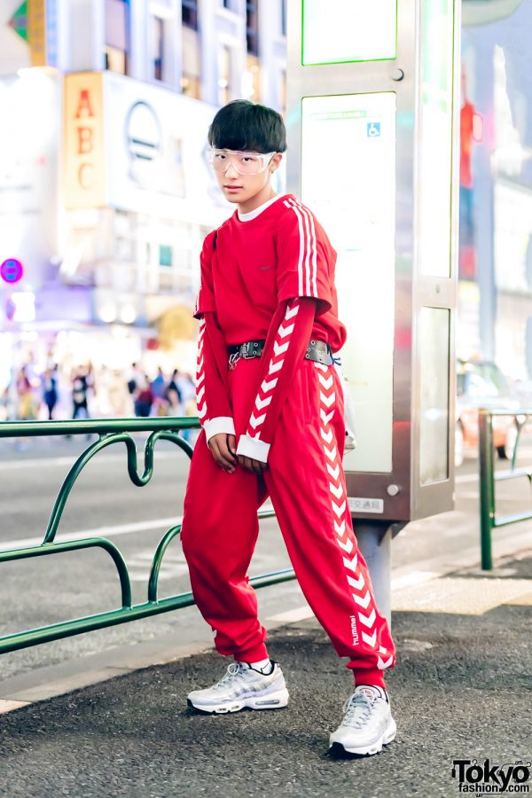 Harajuku Guy in Red-and-White Sporty Street Style