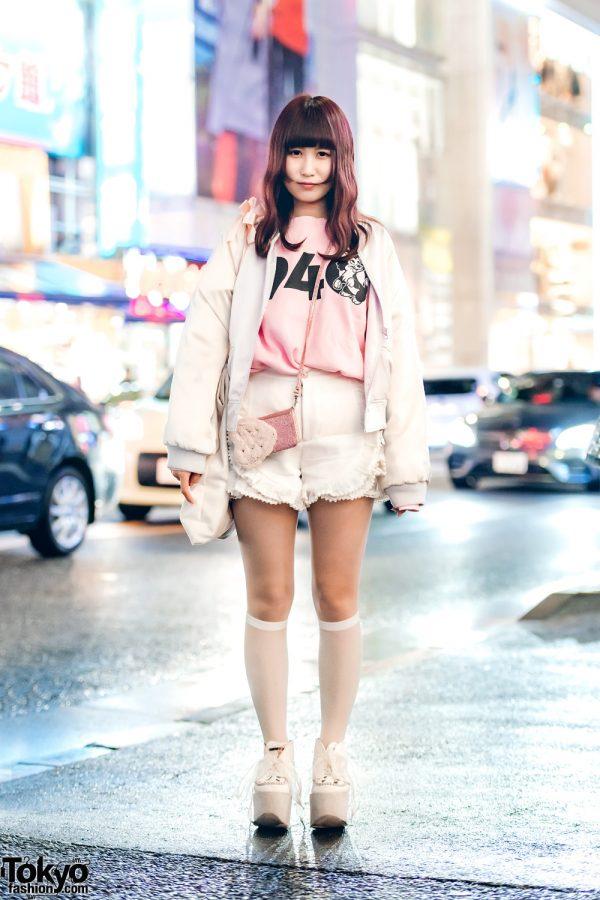 Harajuku Girl in Pastel Streetwear Style w/ RoseMarie Seoir, Swankiss & Vannie Tokyo