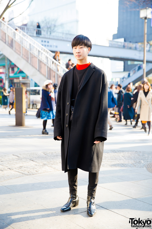 Dark Minimalist Streetwear in Harajuku w/ LAD Musician Outfit & Uniqlo U Sling Bag