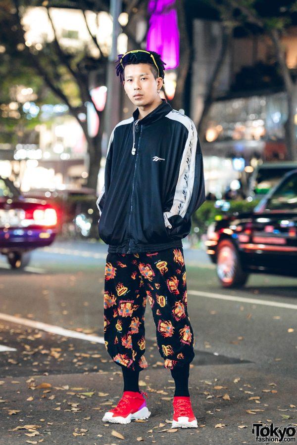 Kinji Staffer in Casual Menswear Street Fashion w/ Adidas Originals, Reebok & Mike Judge
