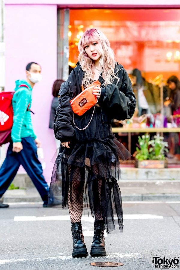 Harajuku Girl in All-Black Street Style w/ M.Y.O.B., One Spo, Stylenanda, Dispark, Demonia & Faith Tokyo