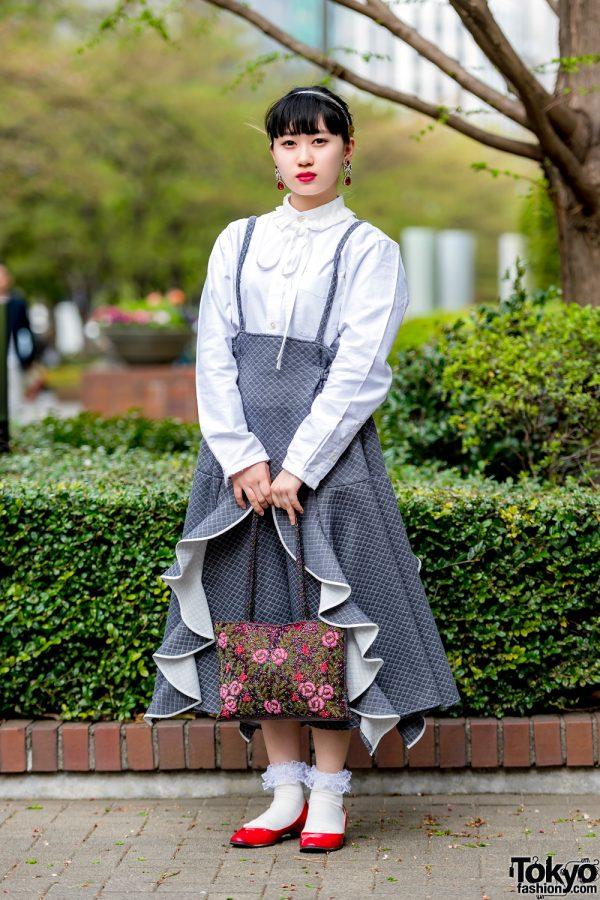 Harajuku Girl in Charming Vintage Streetwear Style