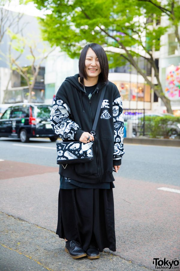 Monochrome Print Street Style w/ M:E Hoodie Jacket, Long Skirt, Lace-Up Shoes & Crossbody Bag