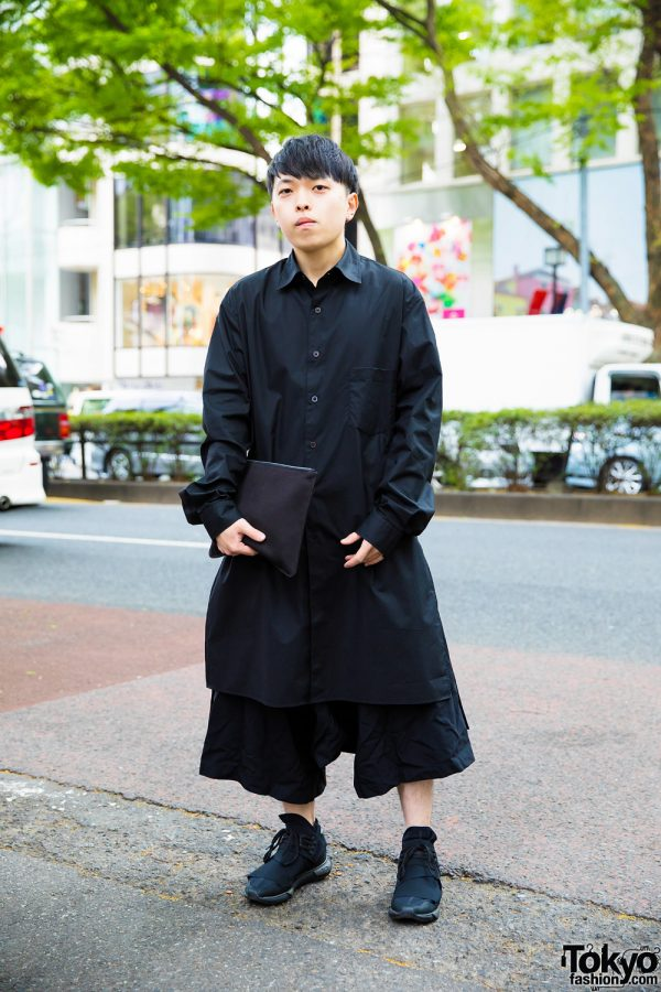 Harajuku Guy in Minimalist All-Black Streetwear Style w/ Y-3 & Black Comme des Garcons