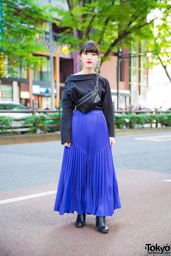 Harajuku Girl's Stylish Look w/ UN3D Pleated Maxi Skirt, Murua Geometric Earrings & Belt Bag
