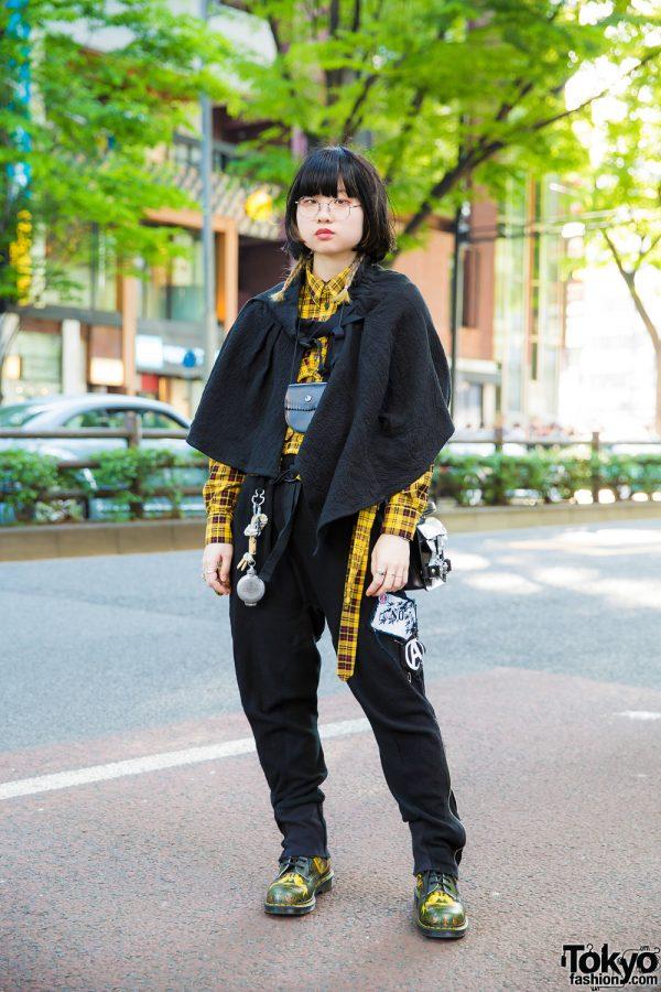Black & Yellow Harajuku Street Style w/ Undercover, Mihara Yasuhiro, Pass The Baton, Pala, Chigo & Vivienne Westwood