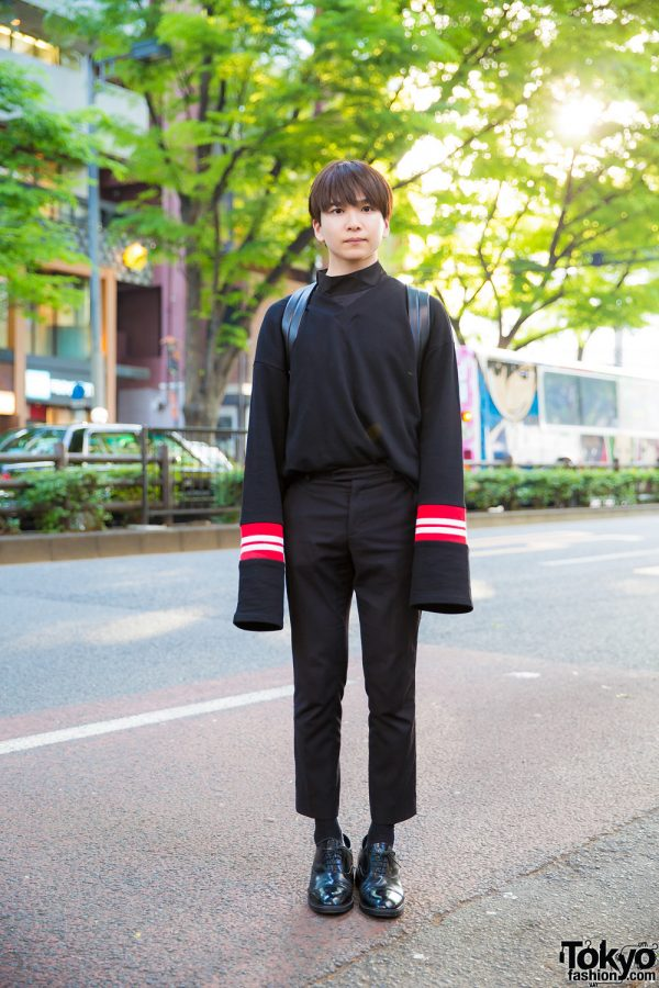All Black Harajuku Street Style w/ Extra Long Sleeved V-Neck Sweater, Zara Cropped Pants, Leather Lace-Ups & Louis Vuitton Backpack