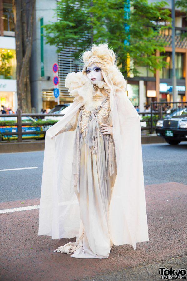 Shironuri Artist Minori in Harajuku Wearing Handmade & Vintage Fashion w/ Floor-Length Dress, Ruffle Cape & Headpiece