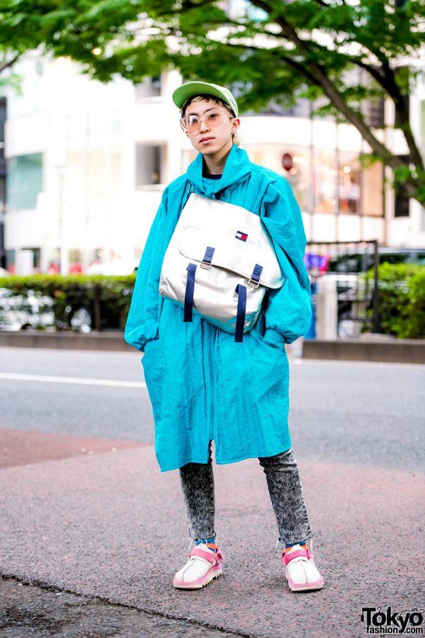 Harajuku Hair Stylist in Vintage Aqua Coat, Acid Wash Jeans, Reebok & Tommy Hilfiger Bag