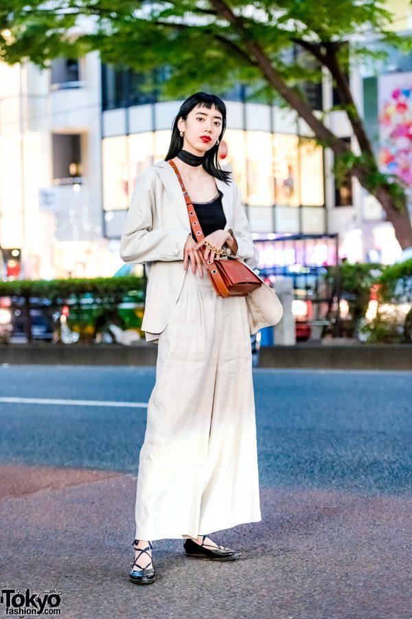 Japanese Model's Khaki Street Style w/ Black By Moussy, Charles & Keith, Sly, OC & Chloe