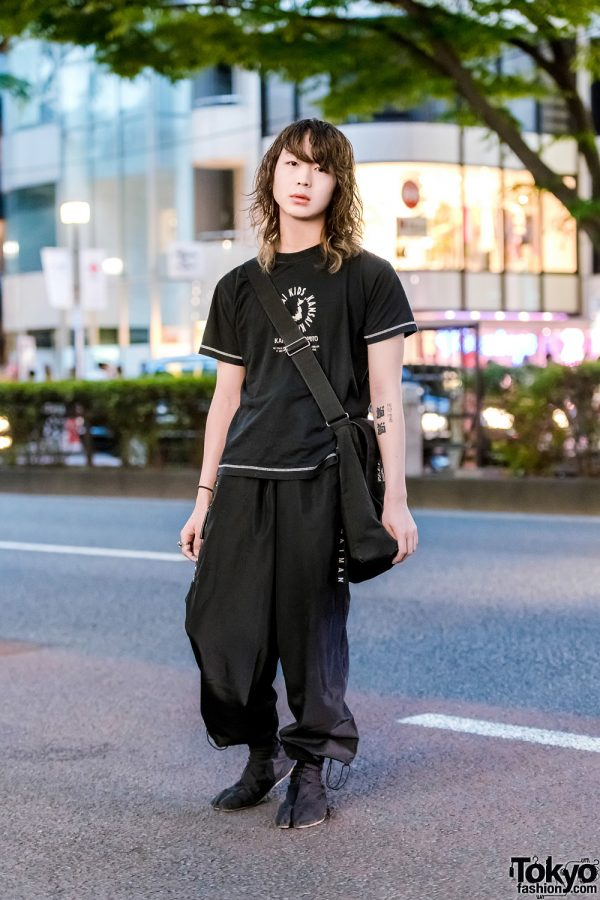 Fashion College Student in All Black Kansai Yamamoto Outfit w/ Crossbody Bag & Tabi Shoes
