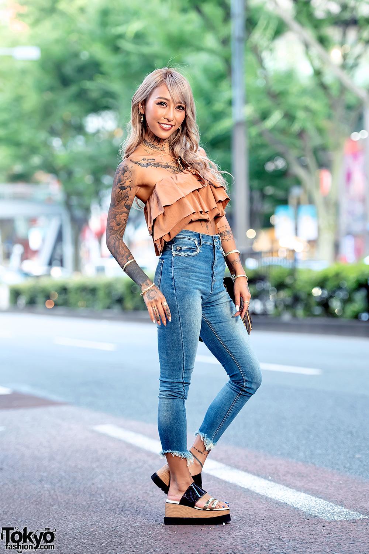 Japanese Gyaru Style In Harajuku W Gyda Top Spiral Girl