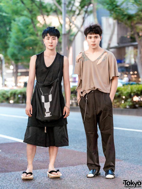 Harajuku Guys in Minimalist Designer Street Styles w/ Rick Owens, Maison Margiela, Issey Miyake, GU Slides & Geta Sandals