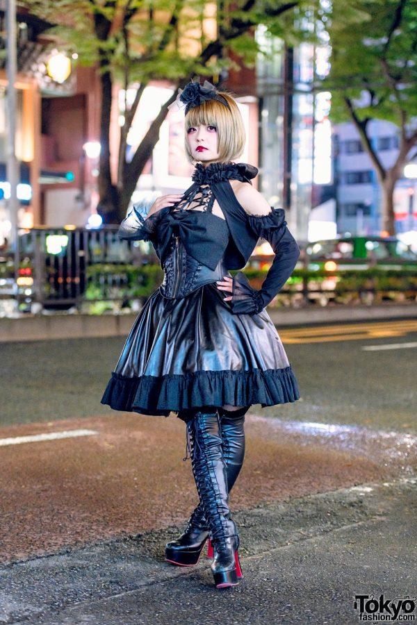 Japanese Gothic Lolita Street Style in Harajuku w/ MR Corset, Na+H & MorunxMuunaStoik