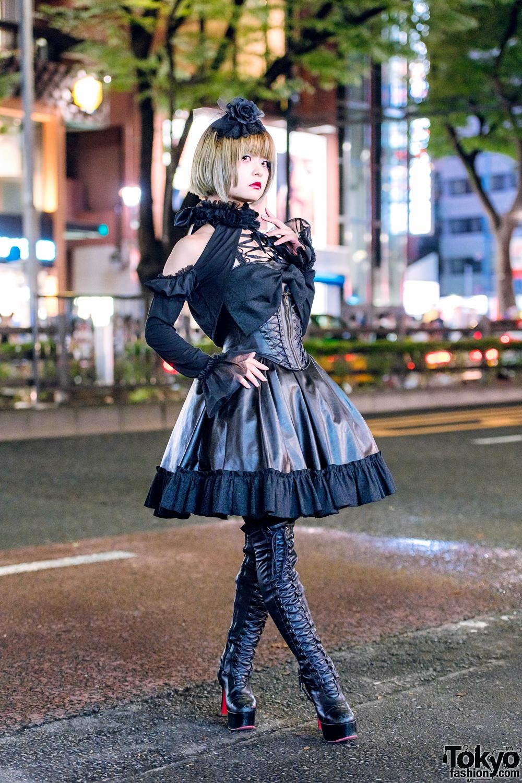 Japanese Gothic Lolita Street Style In Harajuku W Mr
