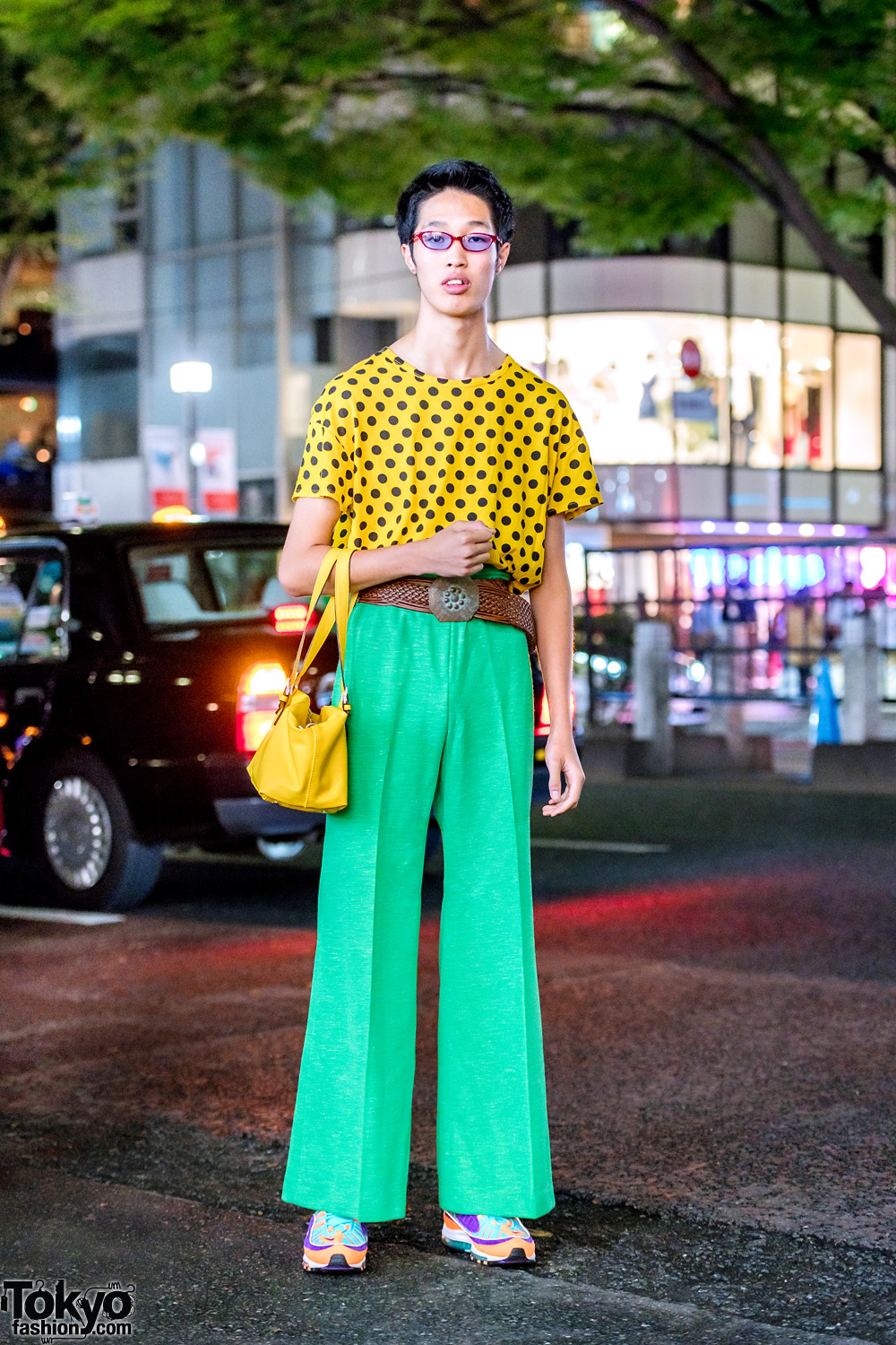 07de2fb7 Colorful Retro Japanese Street Style in Harajuku w/ Vintage Fashion & Nike  Sneakers