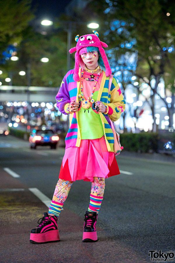 Harajuku Fashion Walk Organizer Junnyan in Kawaii Street Style, Two-Tone Hair, Galaxxxy, Takuya Angel, Buffalo & Fuzzy Monster Hat