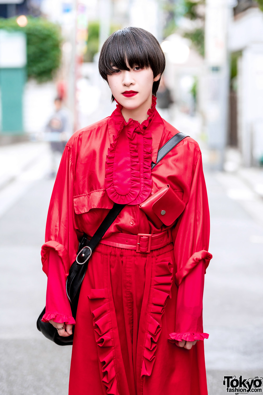 1001572399e1 Red Comme des Garcons Streetwear Looks w  Loewe