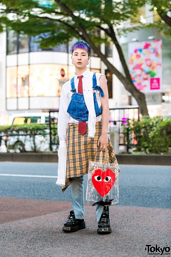 Japanese Remake Streetwear Style w/ Denim Bib, Plaid Skirt Over Jeans, New Rock Sneakers & Comme des Garcons Clear Tote