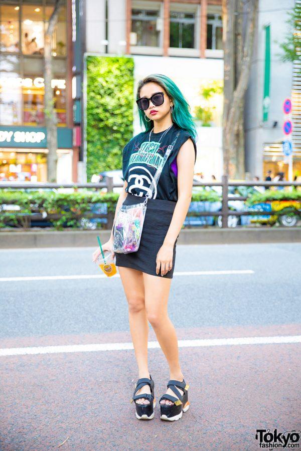 Tokyo Street Style w/ Green Hair, Stussy Sleeveless Top, Bershka Miniskirt, Evris Platform Sandals & Nana-Nana Clear Bag