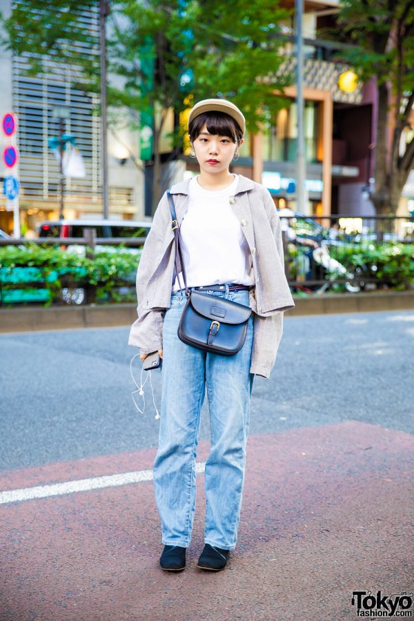 Casual UNIQLO Streetwear Style in Tokyo w/ Long Sleeved Linen Shirt, Suede Pumps, Leather Sling Bag & Kangol Newsboy Cap